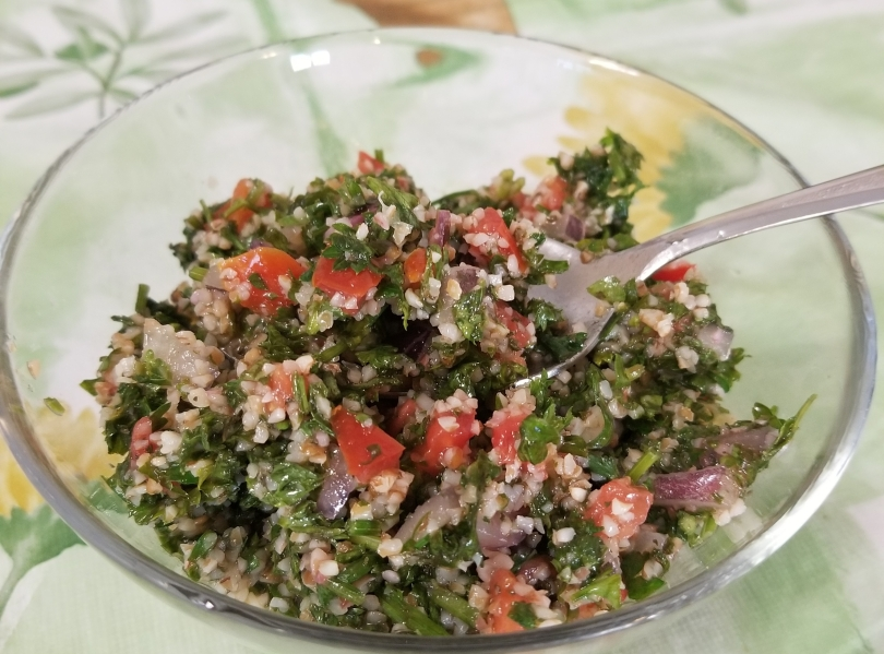 tabooleh a Mediterranean salad made of parsley, tomatoes and bulgur , a type of wheat